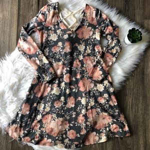 Adorable Floral A. Byer dress with POCKETS